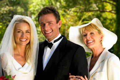 krestnaya-na-svadbe-traditsii-i-obyazannosti-krestnoj-materi