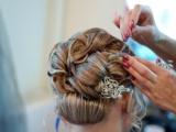 Как выбрать свадебного парикмахера