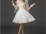 Особенности фасонов коротких свадебных платьев  и их выбора